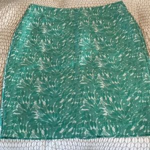 Textured white and green pencil skirt, brand new